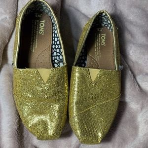 Toms Slip On Gold Sequin Shoes Flats Like New 6